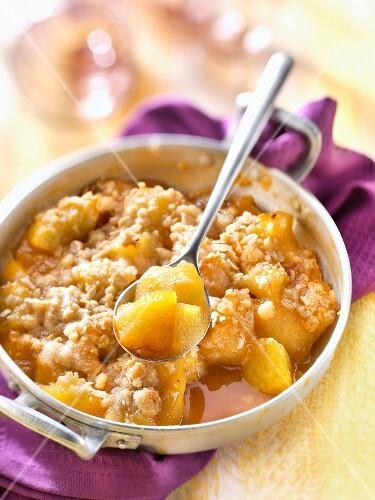 Apple oatmeal crumble