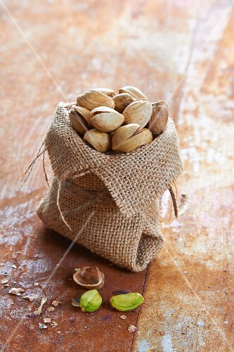 Small jute bag of pistachios