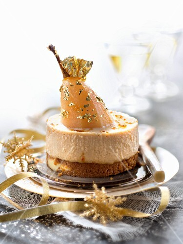 Speculos gingerbread cookie,pear and toffee Bavarian