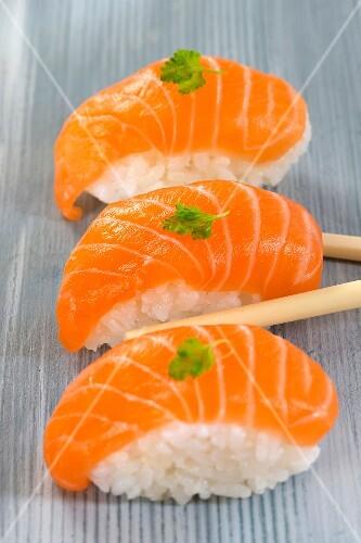 Salmon sushis