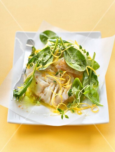 Cod with baby spinach and lemon zests