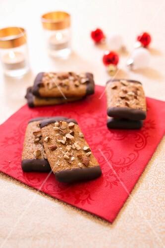 Leckerli-style almond gingerbread shortbreads