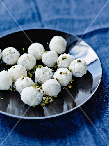 White pistachio chocolate truffles
