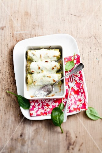 Spinach cannellonis