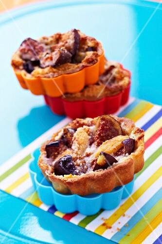 Fig and hazelnut mini pies