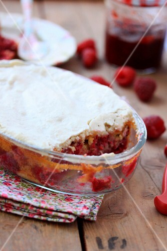 Revisited raspberry Macaroné