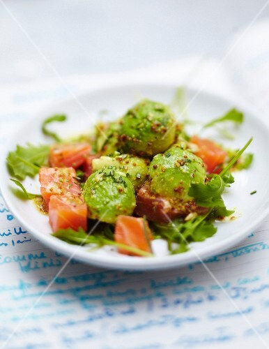 Avocado,marinated raw salmon,basil and dill salad