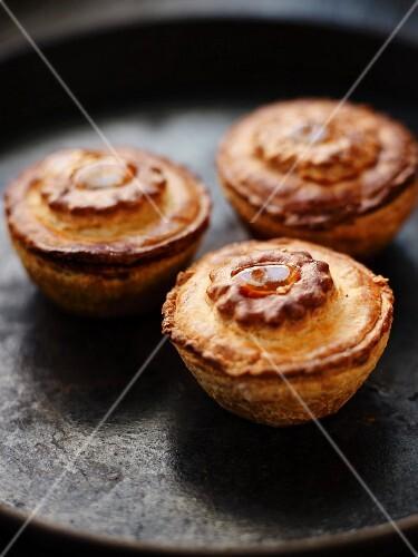 Individual crust patés