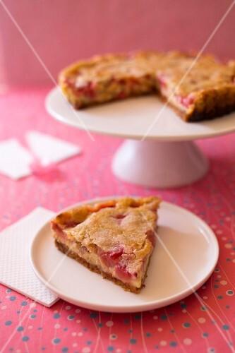 Strawberry-lemon lactose-free pie