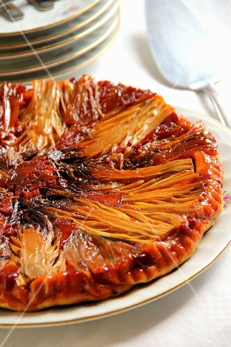 Chicory and Maroilles cheese tatin tart