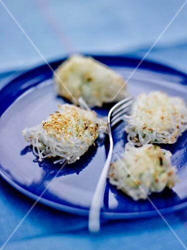 Soya vermicellis,cream cheese and sesame bites