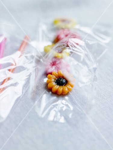 Pack of almond paste flowers