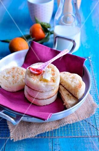Orange-flavored crumpets