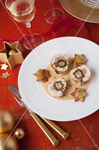 Chicken and chestnut stuffing Ballotine ,star potatoes à la sarladaise