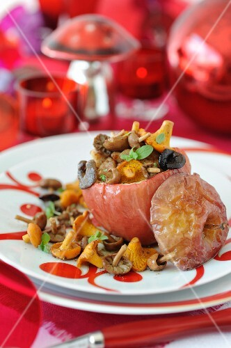 Apple stuffed with sweetbreads and mushrooms