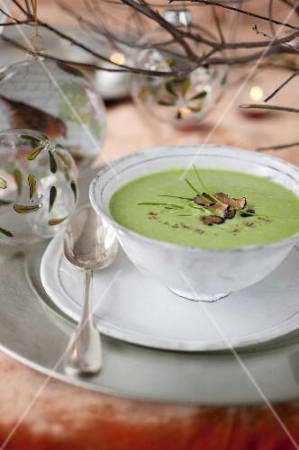 Cream of pea and truffle soup