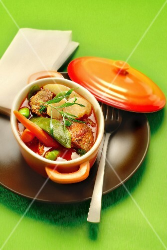Meat and vegetable Cassolette