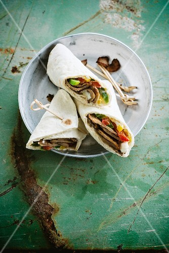 Meat and vegetable wraps