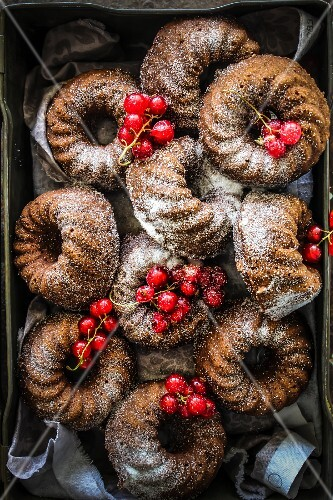 Kouglofs-style chocolate and coconut Financiers