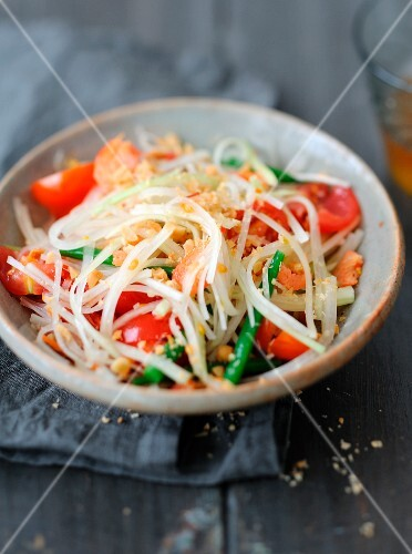 Tam mak tèng green papaya salad