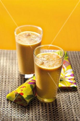 Yellow tomato juice