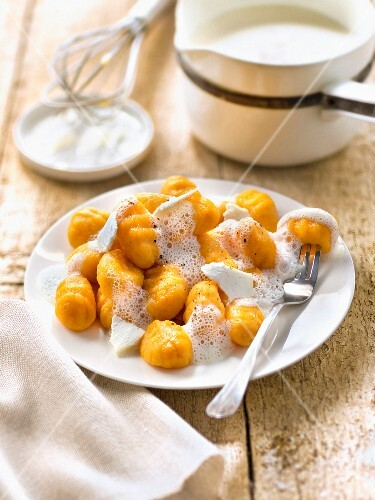 Carrot gnocchi's with goat's cheese cream