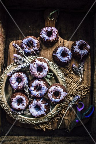 Dark Chocolate Mini Cakes With Lavender Glaze