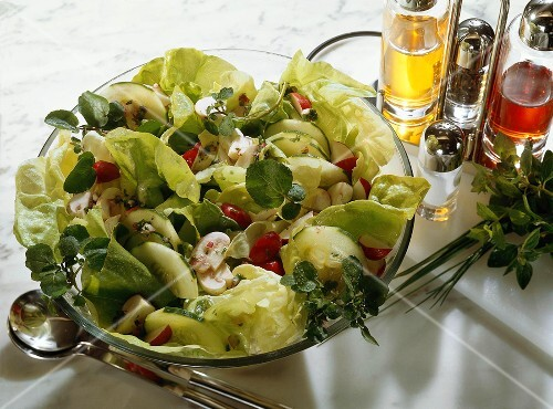 Green Salad with Cucumbers and Mushrooms