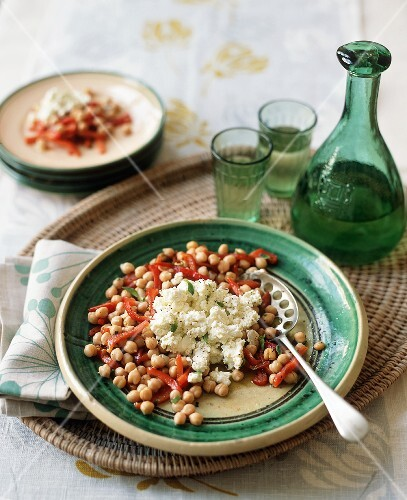 Middle Eastern Chickpea Salad with Feta