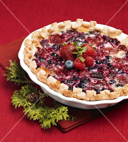Whole Mixed Berry Pie