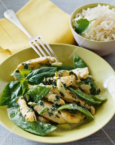 Chicken with basil and mange tout and a side of rice