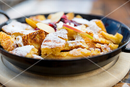 sugared pancake with apple in a frying pan, Kaiserschmarren, Kitchen, Maria Alm, Berchtesgadener Land, Alps, Austria, Europe